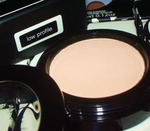 Silky Matte Powder Eyeshadow – Low Profile