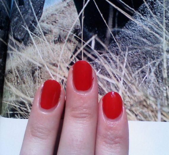 Nail Enamel – Revlon Red