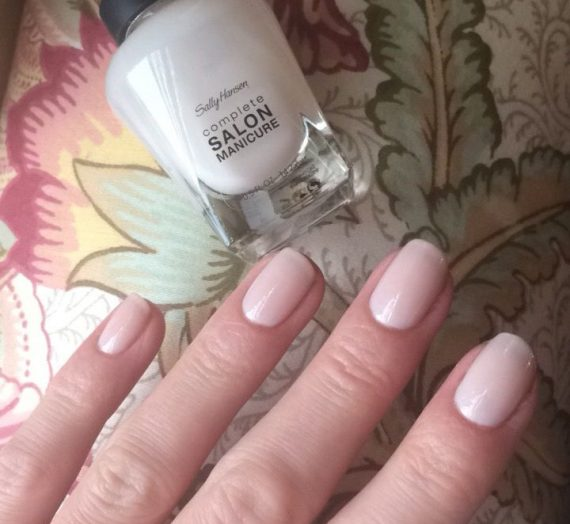 Complete Salon Manicure – Shell We Dance