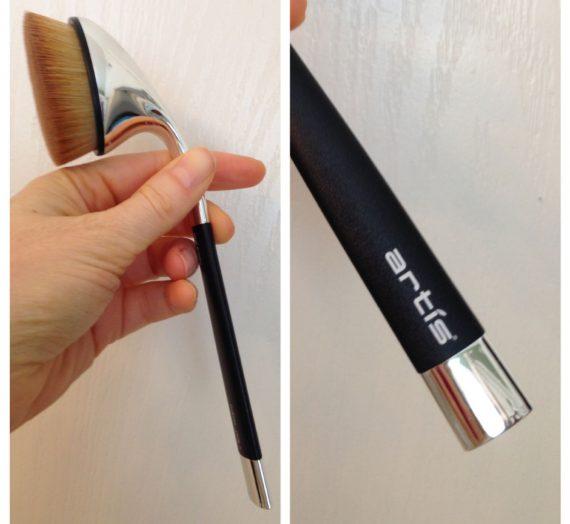 Artis Oval 7 Brush