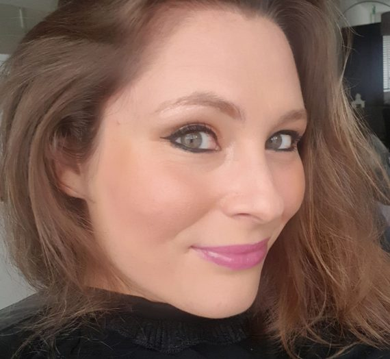 Cremesheen Lipstick  – Speed Dial