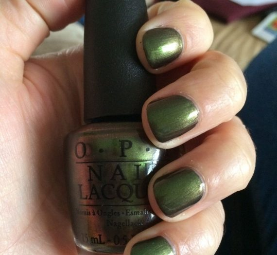 Nail Lacquer – Green on the Runway