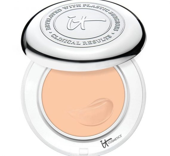 Confidence In A Compact SPF 50 Solid Serum Foundation