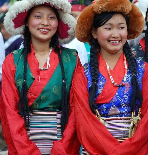 Gorilla Perfume – Sikkim Girls