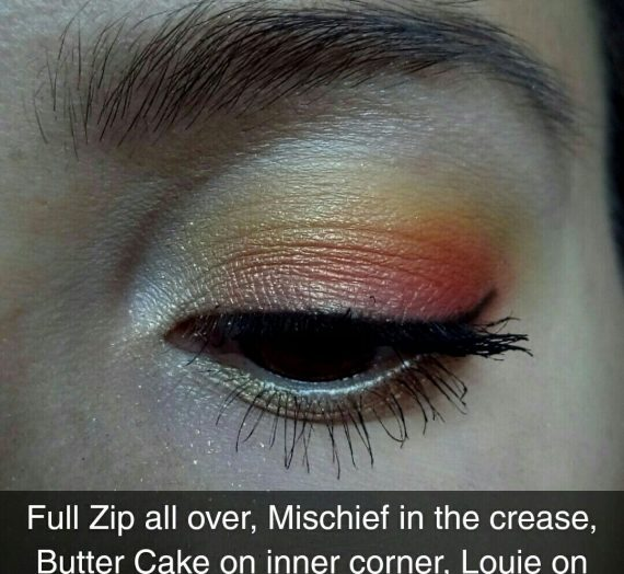 Pressed powder eyeshadow palette – Yes, Please!