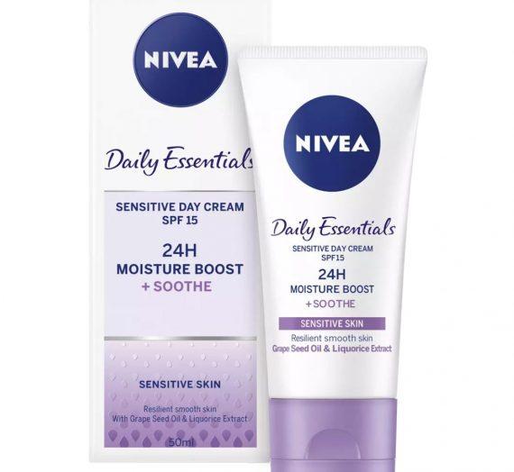 Daily Essentials Sensitive Day Cream SPF 15