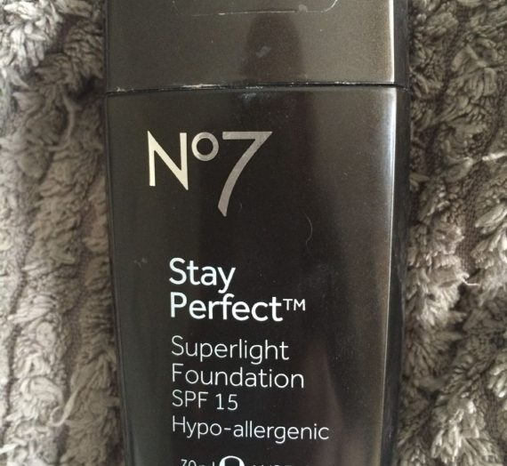 No7 Stay Perfect Superlight Foundation SPF15