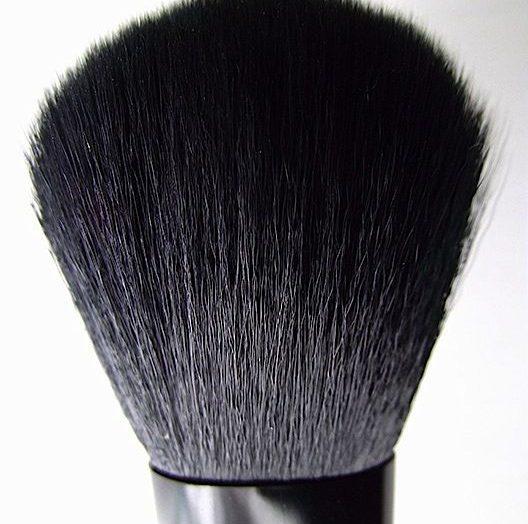 Studio Complexion Brush