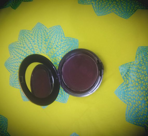 New Complexion One-Step Compact Makeup