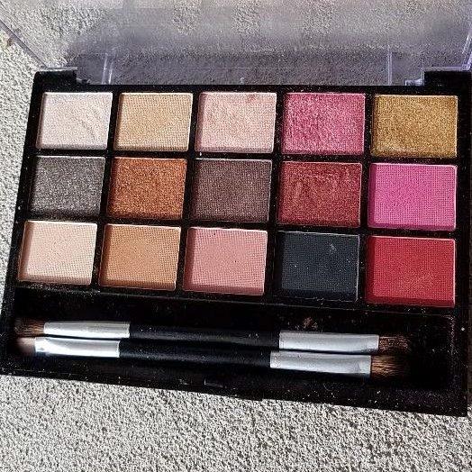 Look Pro! Eyeshadow Palette – Rosegold