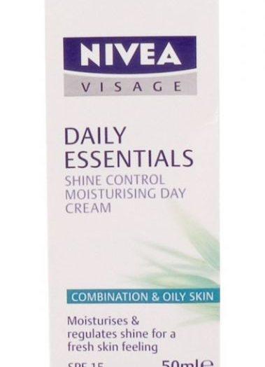 Daily Essentials Oil-free Moisturising Day Cream