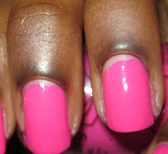 Long Wearing Nail Enamel – Fuschia Shock Creme 111