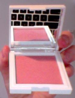 Zea Mays Powder blush in 16 Pink