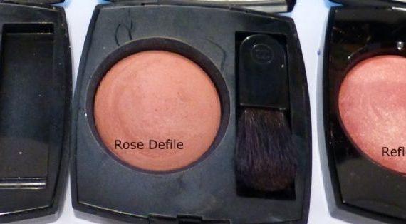 Joues Contraste Powder Blush in 99 Rose Petale