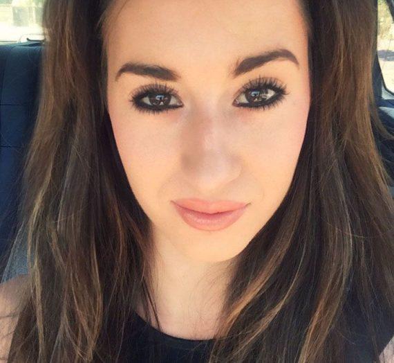 She demi-matt moisture enriched lipstick