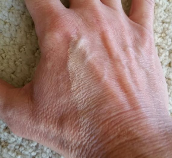 Smart Shade Skintone Matching Pressed Powder