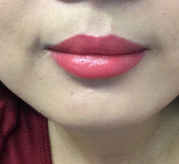 Show off lip lacquer