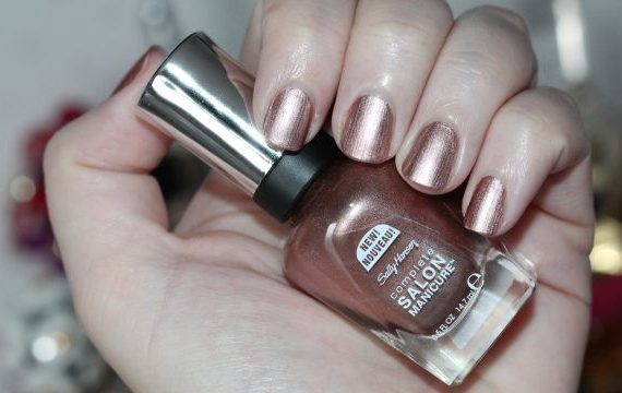 Complete Salon Manicure – World is My Oyster