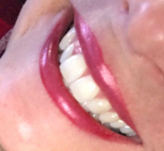 Frost Lipstick in New York Apple